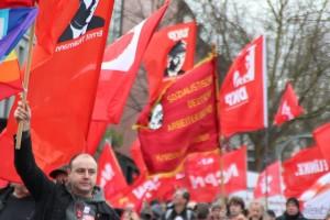 Mit dem Liebknecht-Banner gegen imperialistische Kriege